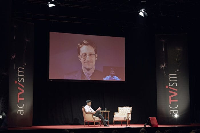 Edward Snowden mit acTVism