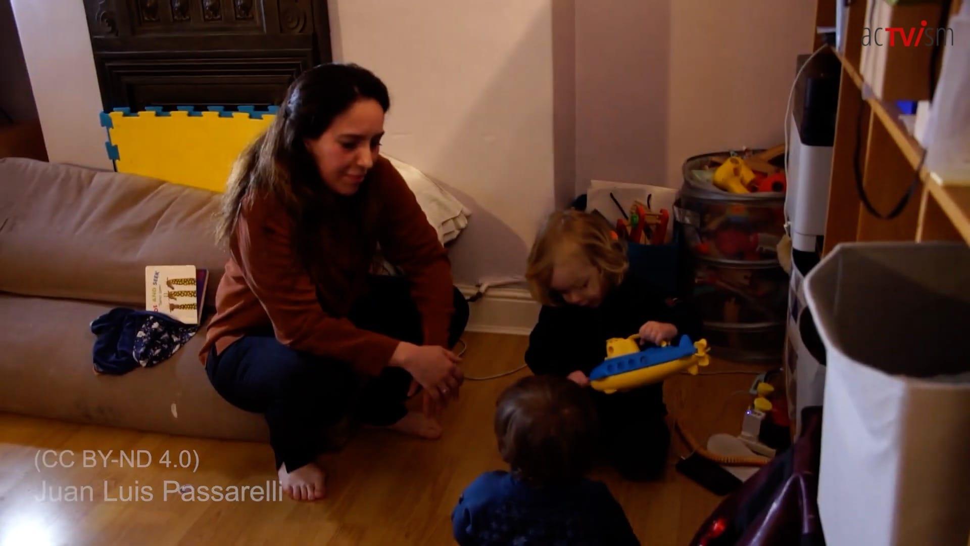 Julian Assange family financee wife children