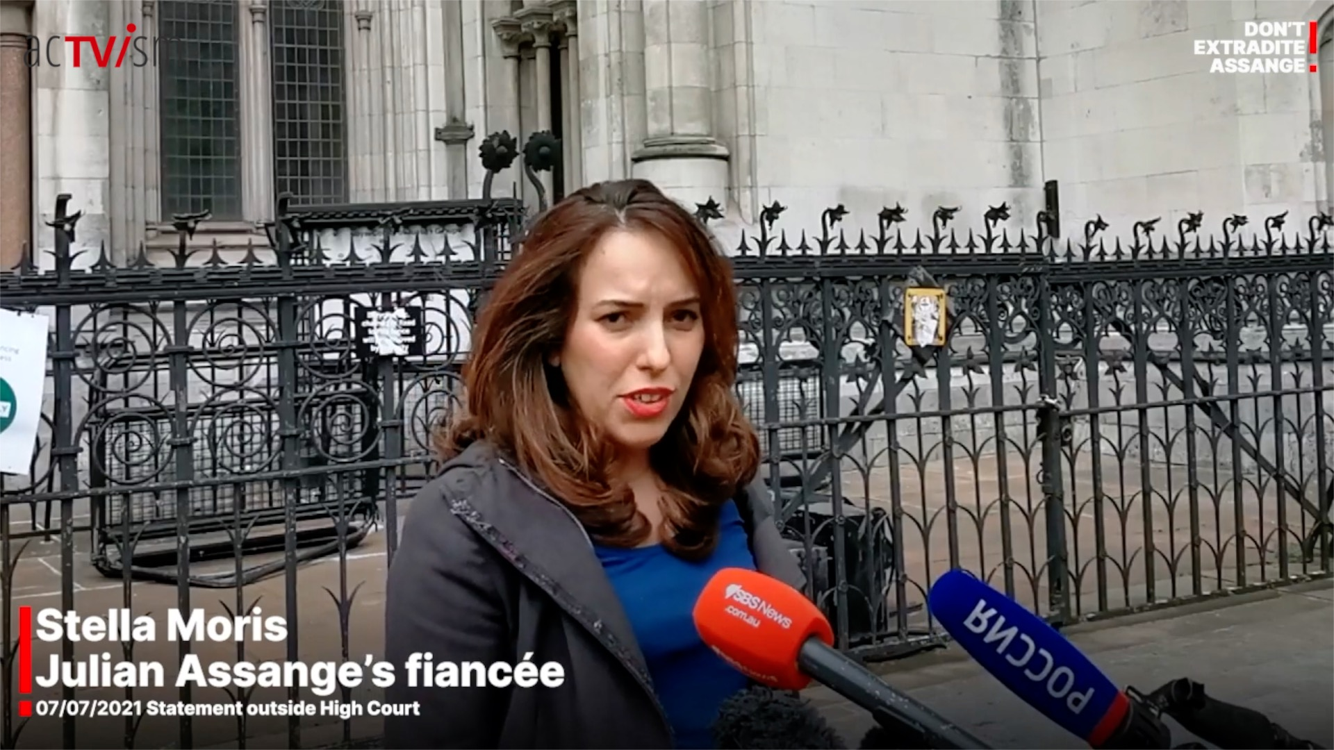 BREAKING: Latest Update on High Court ruling in Assange case by Stella Moris (Aufgrund limitierter finanzieller Mittel stehen manche Videos ggf. derzeit nur auf Englisch zur Verfügung. Spenden Sie auf unser Crowdfunding-Projekt, um uns mit der Übersetzung zu unterstützen.) In this video, Stella Moris, partner of Julian Assange, talks about the recent UK High Court decision in the Assange case. This video was produced and released by the Don't Extradite Assange campaign on July 7, 2021. We have republished it today to raise more awareness about this case. To watch our previous updates on this case,click here. VIDEO: BREAKING: Latest Update on High Court ruling in Assange case by Stella Moris MORE RECENT VIDEOS ON THIS TOPIC VIDEO: Taylor Hudak Speech on the Fight to Free Julian Assange VIDEO: EXCLUSIVE: Julian Assange's Father and Brother Interview To watch more of our videos on this topic or with other experts such as Edward Snowden, Noam Chomsky, Abby Martin, Yanis Varoufakis, Glenn Greenwald, Jeremy Scahill, Jill Stein, Daniel Ellsberg, etc, please visit and subscribe to our YouTube channel byclicking here. Donate today to support independent & non-profit media! Click hereor on the picture below: