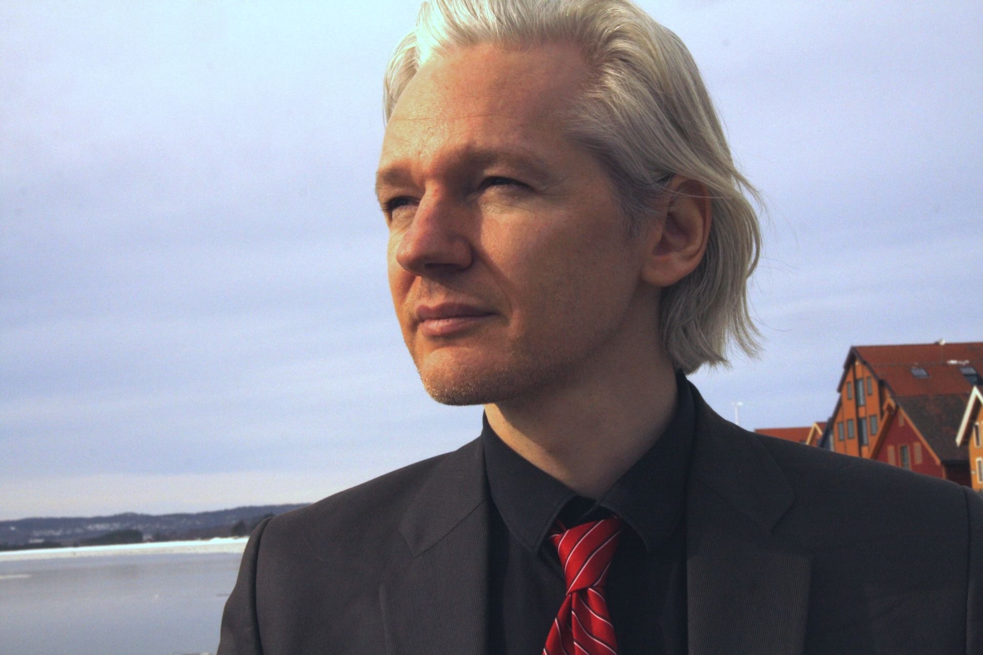 In this video, Tim Dawson, Executive Member of the National Union of Journalists of Britain and Ireland, explains why Julian Assange should be released now